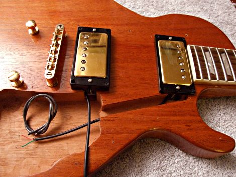 HOW ELECTRIC GUITARS ARE WIRED   on